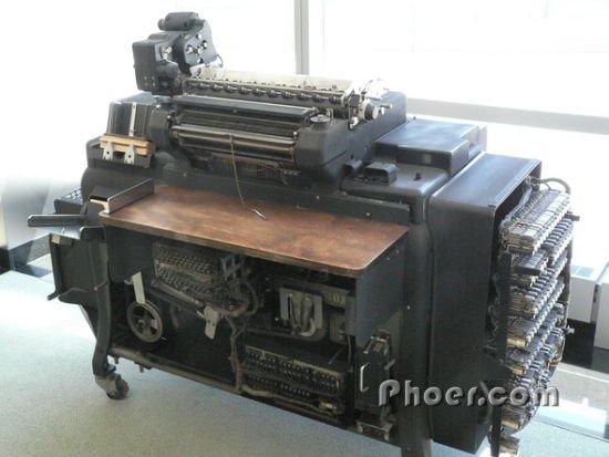 1934年,IBM推出机电驱动的405型字母会计运算机-百年IBM的24个瞬图片
